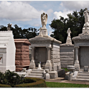 Cemeteries & Voodoo Excursion